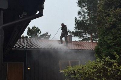Le nettoyeur de toitures professionnel Takfornying AS compte sur DYNAJET