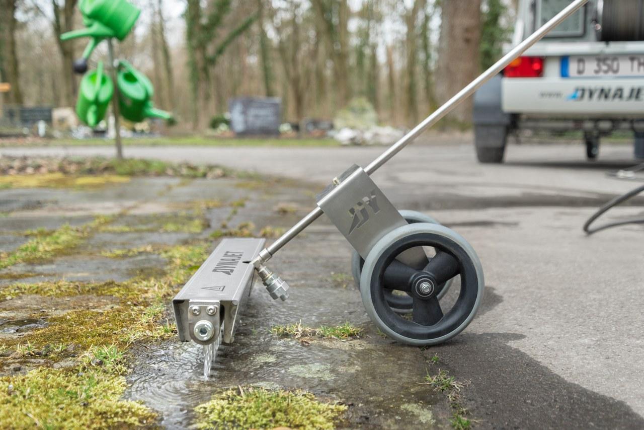 Nouveaux outils professionnels pour l'élimination des mauvaises herbes sans recours à la chimie
