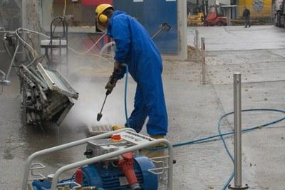 Nettoyer les échafaudages de manière intensive et rentable