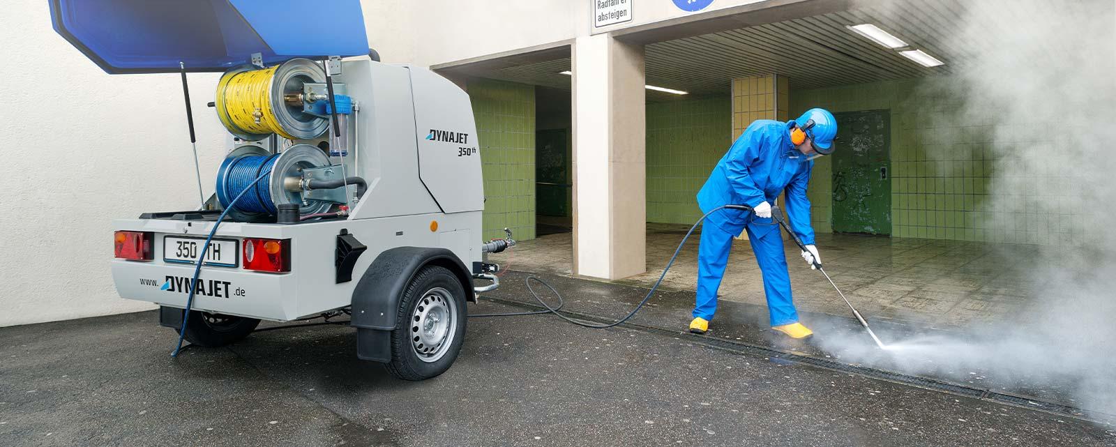 DYNAJET est votre spécialiste pour répondre aux exigences de nettoyage élevées des municipalités, des entreprises de nettoyage ainsi que pour l'aménagement paysager